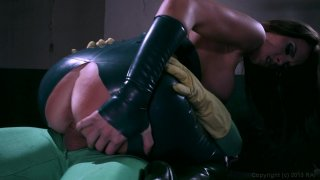Screenshot #4 from She-Hulk XXX: An Axel Braun Parody